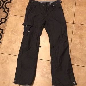 Women's 686 snowboarding pants size medium